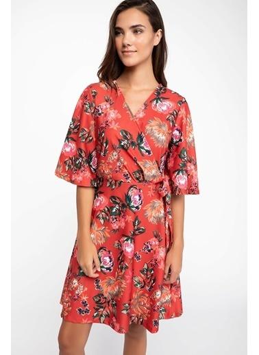 DeFacto Floral Desenli Kruvaze Yaka Elbise Kırmızı